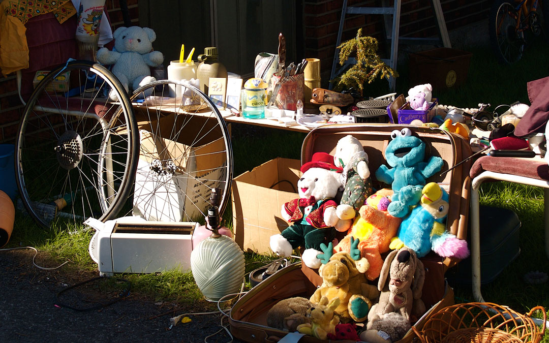 4 Tips for Selling Out Garage Sales