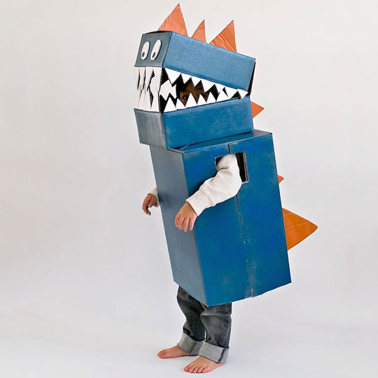 DIY Cardboard Costumes: Boxasaurus