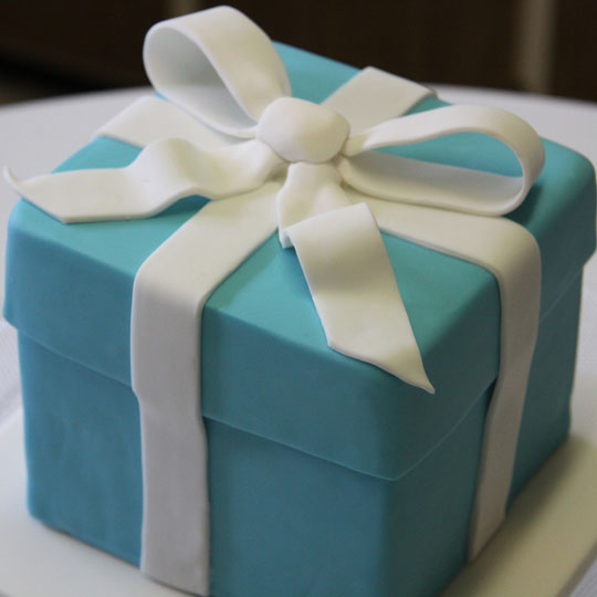 Iconic Packaging: Tiffany Blue Box Cake