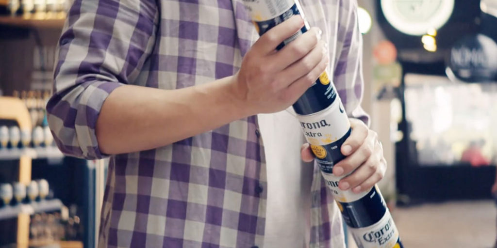 Corona Extra: Stackable Cans